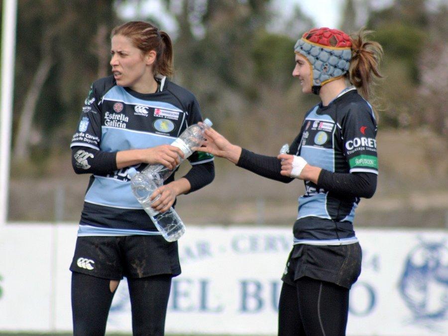 Las dos olímpicas coruñesas llevan el rugby a los barrios y dirigen el campus del CRAT